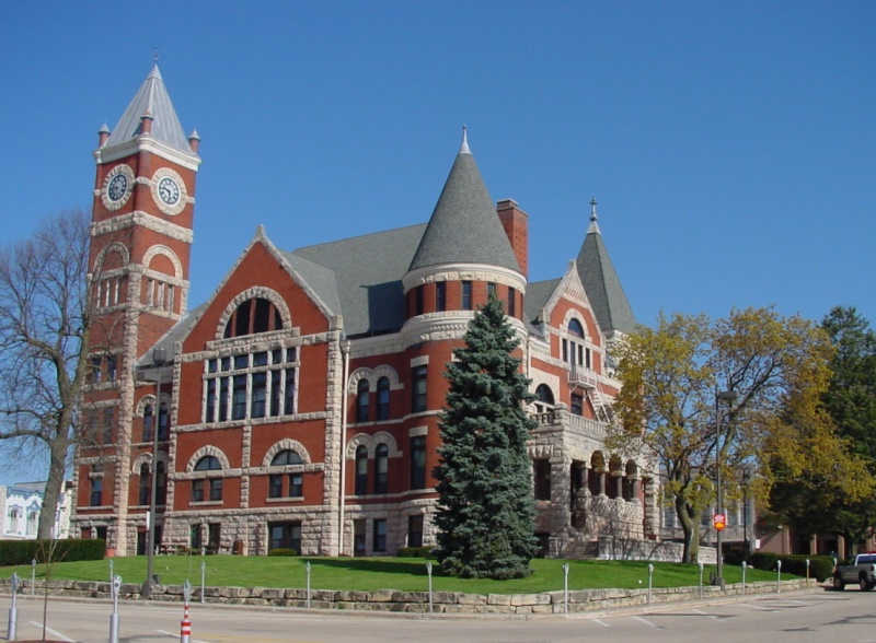 Monroe Courthouse on the town square